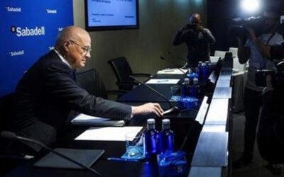 Banco Sabadell cede a la presión del BCE y suspende el dividendo de 2020